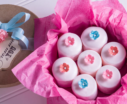 How-To Make Spring Petit Fours with SugarSoft Flowers