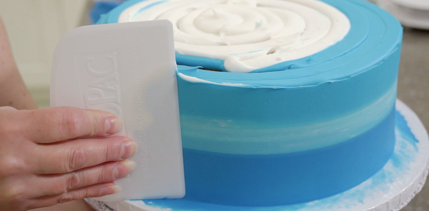 Make an ombre effect for the waves layer of a cabana cake