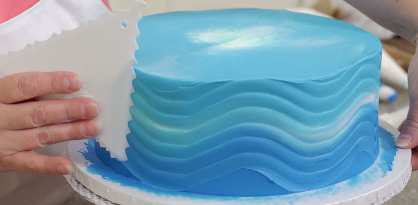 Add waves to your cabana cake
