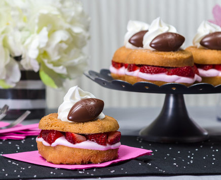 How-To Make NFL Strawberry Shortcake Donuts