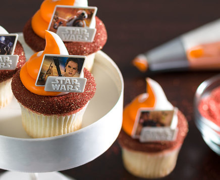 How-To Make Star Wars: The Force Awakens Cupcakes