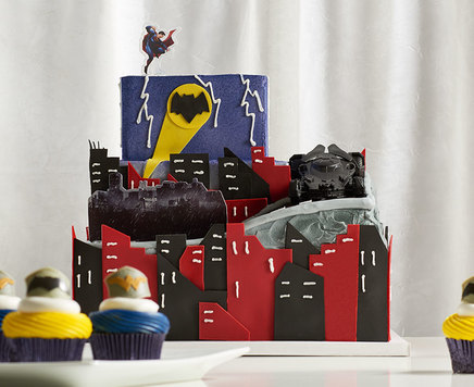 How-To Make a Batman v Superman: Dawn of Justice Cake