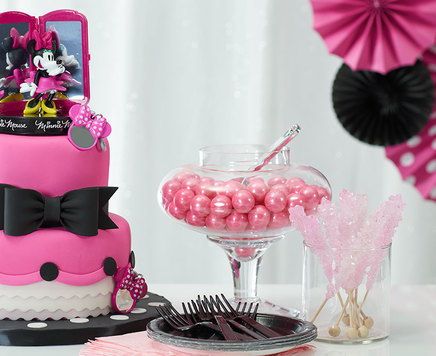 How-To Make a 2-Tier Minnie Mouse Bags, Bows, and Shoes Cake