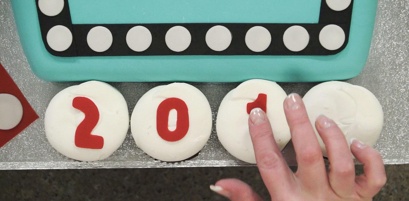 Adding fondant to cupcakes