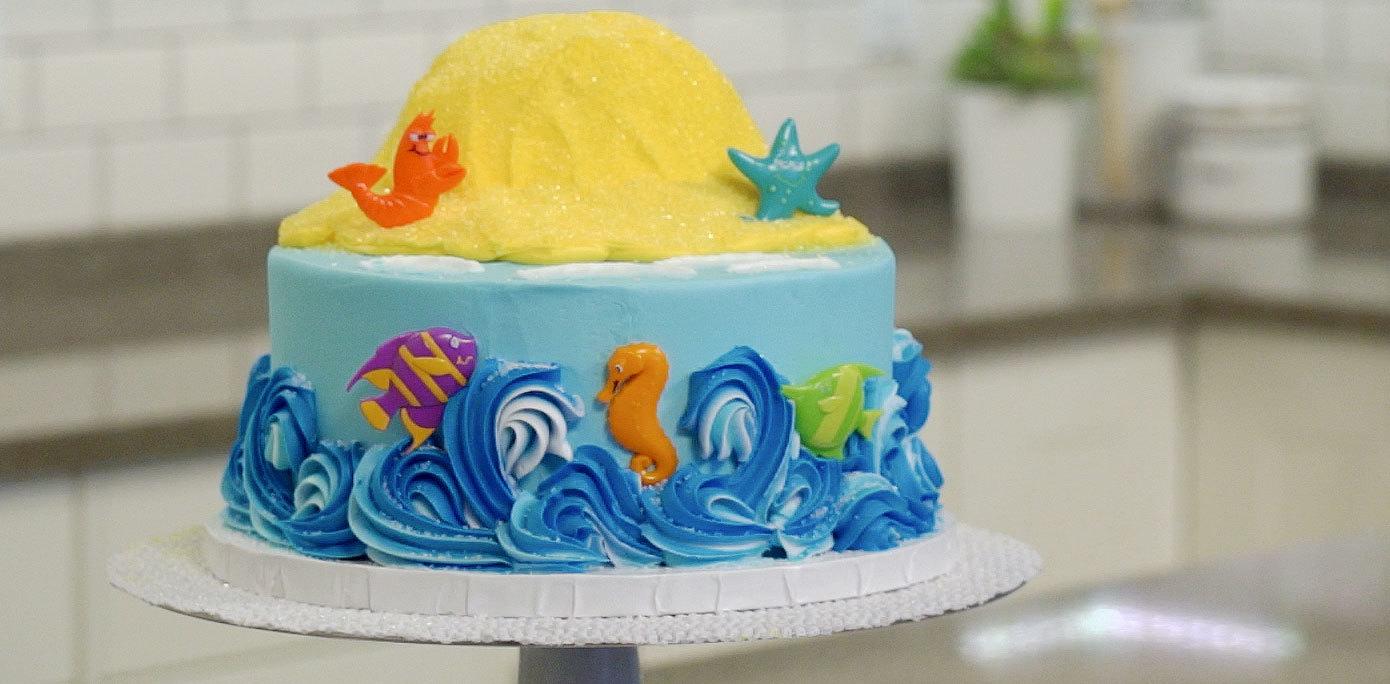 Add DecoPics to cake