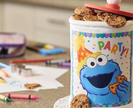 How-To Make a Sesame Street Cookie Jar Cake