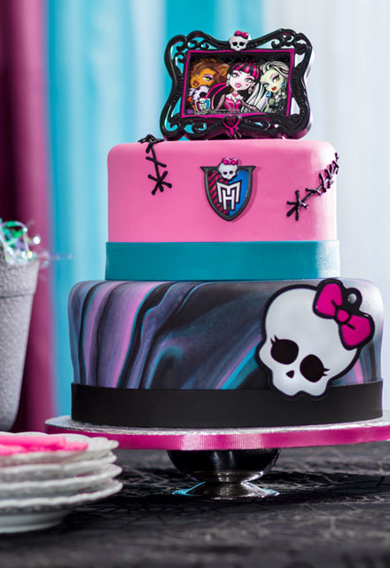 How-To Make a 2-Tier Monster High Fondant Cake