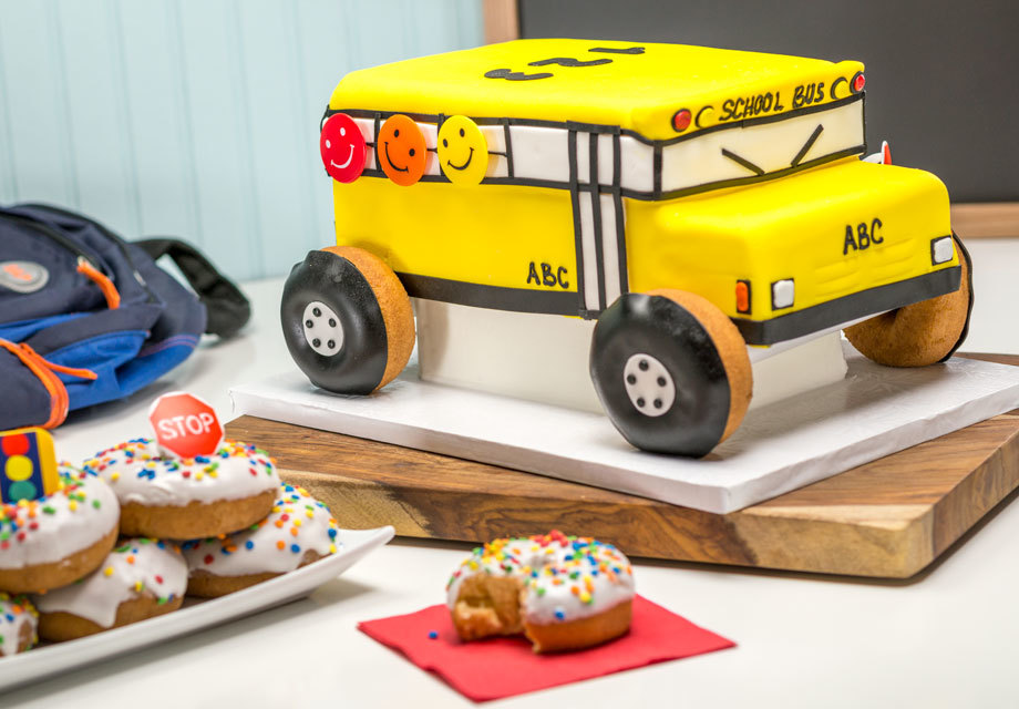 How-to Make Back-To-School School Bus Cake