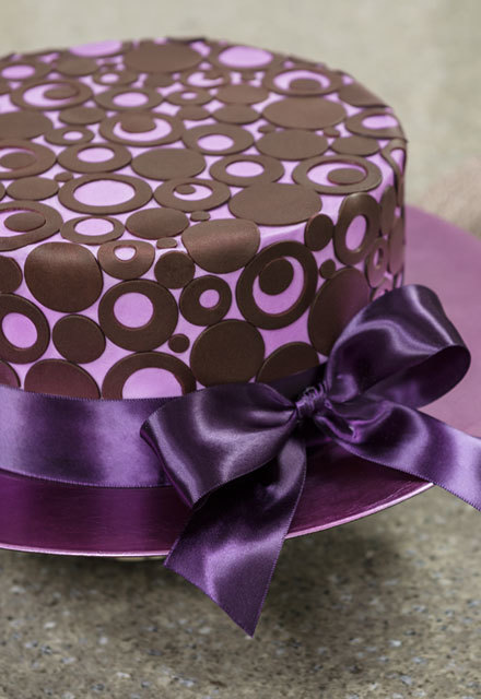 How-To Make a Modern Fondant Dot Cake