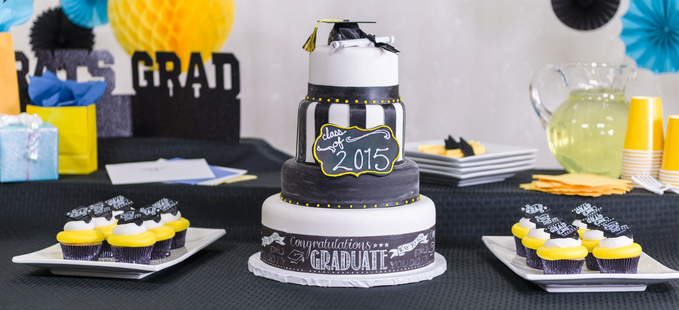 How-To Make a Trendy 4-Tier Graduation Chalkboard Cake