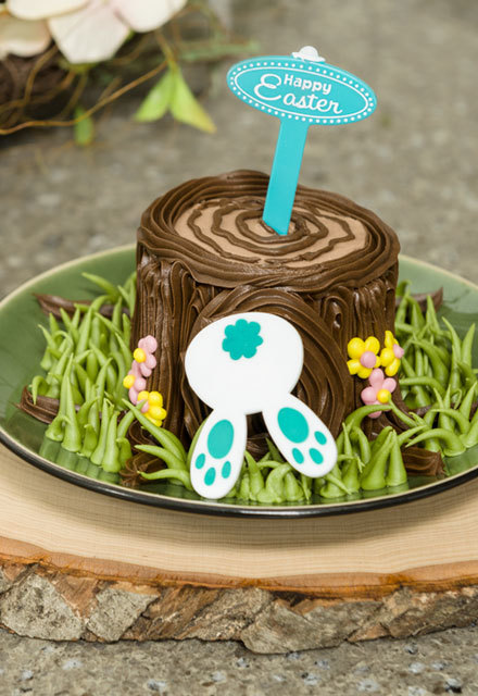 How-To Make Bunny-in-the-Hole Cupcakes