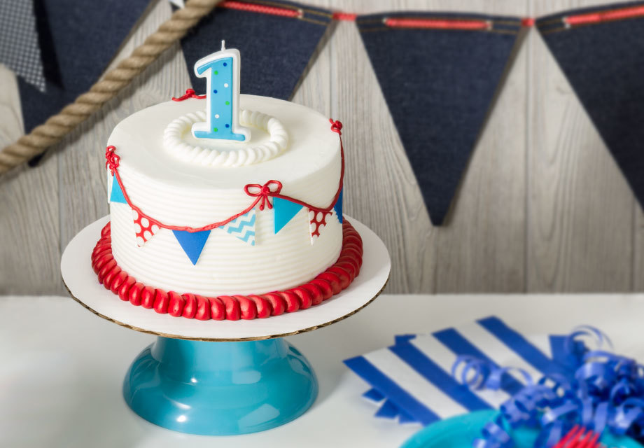How-To Make a 1st Birthday Nautical Smash Cake
