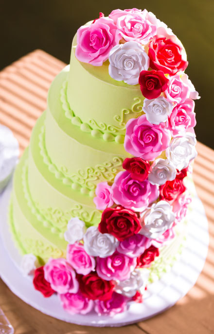 How-To Make a Bright Spring Wedding Cake