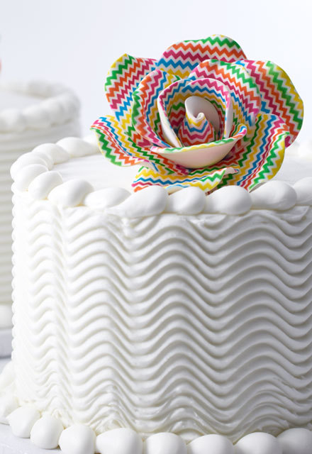 How to Make a Simple Statement Rose Cake
