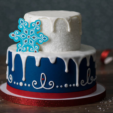 How-to Make a Nordic Folk Snowflake Cake