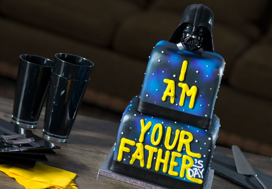 """How-To Make an """"I Am Your Father's Day"""" Darth Vader Cake"""