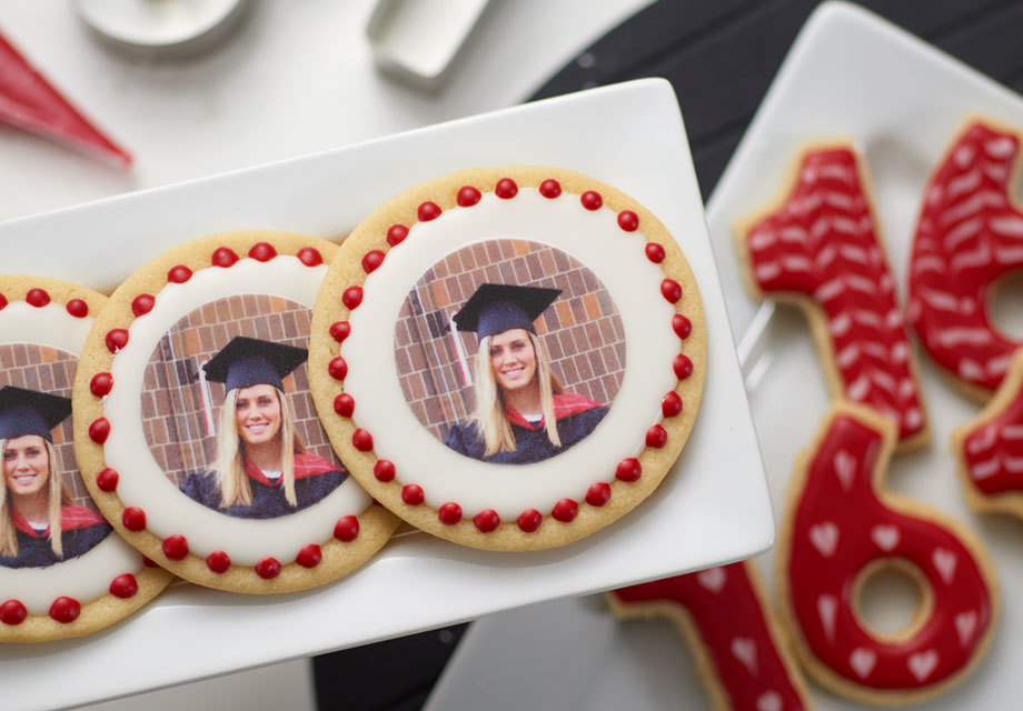 How to Make Class Photo Graduation Cookies