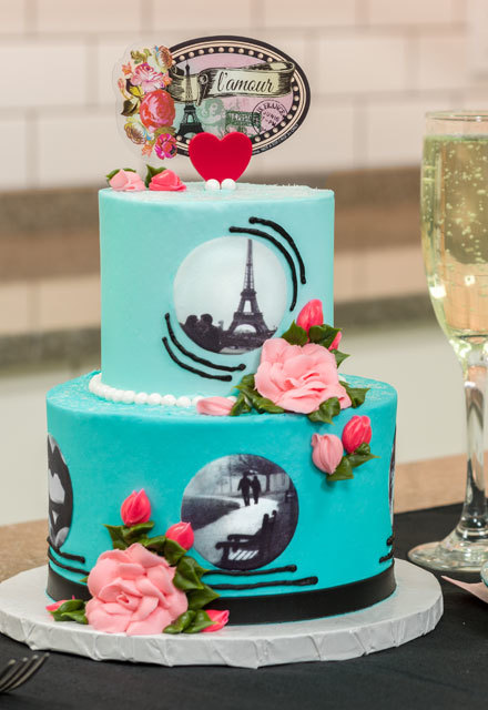 How-To Make a Paris-Inspired Valentine's Day Mini-Cake