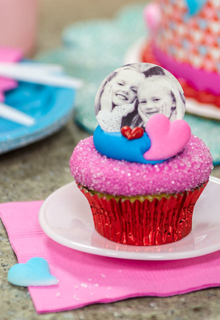 How-To Make Simply Sweet Valentine's Photo Cake Cupcakes