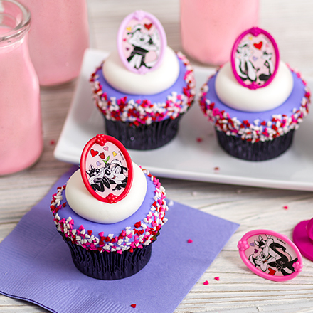 How-To Make Pepe Le Pew and Penelope Valentine's Day Cupcakes