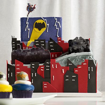 How-To Make a Batman v Superman: Dawn of Justice Cake