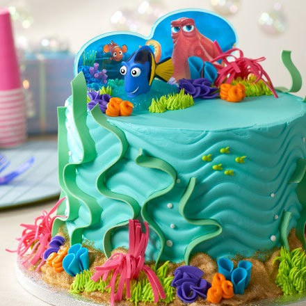 How to Create a Fintastic Finding Dory Cake