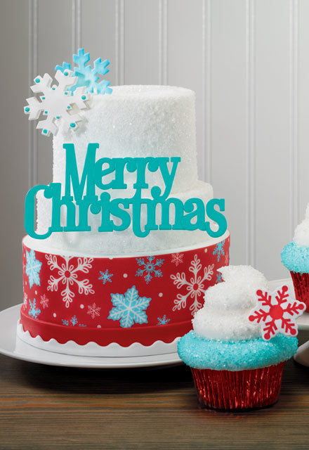 How-To Make a 3-Tier Tumbling Snowflake Holiday Cake