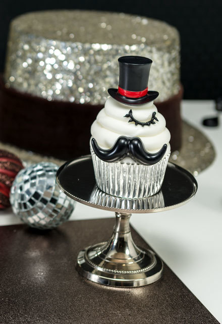 How-To Make New Year's Eve & Mustache Cupcakes