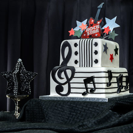 How-To Make a Rockin' New Year's Eve Cake