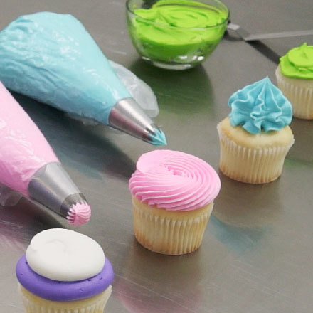 How-To Decorate a Cupcake Like a Pro