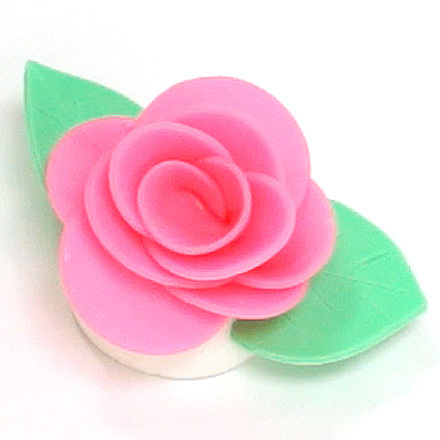 How-To Make Fondant Roses With Fondant Dots