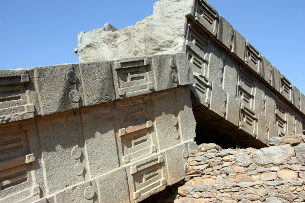 Ancient Advanced Technology In Puma Punku Ancient Explorers