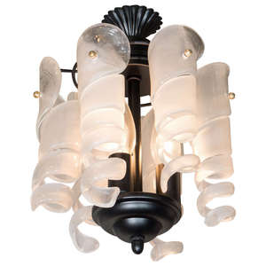 Curled_glass_chandelier