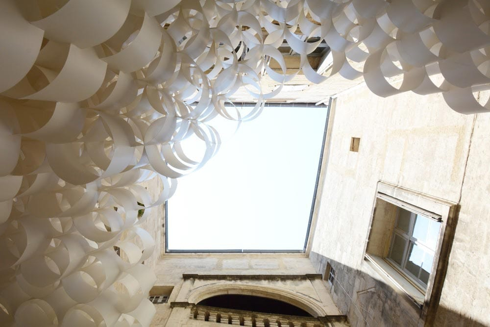 Paper Cloud, by Studio 3A, elaborates a space of illusion and delusion