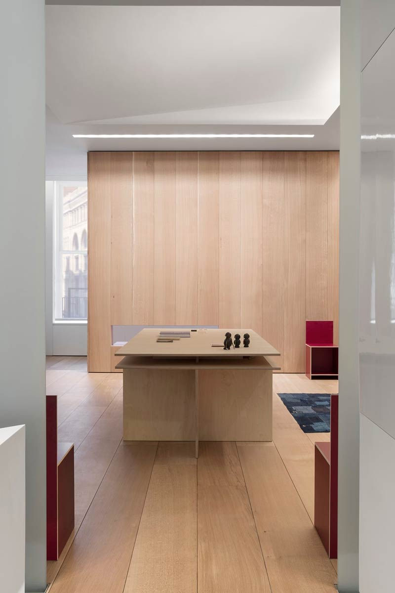 Photographer's Loft by Desai Chia Architecture PC