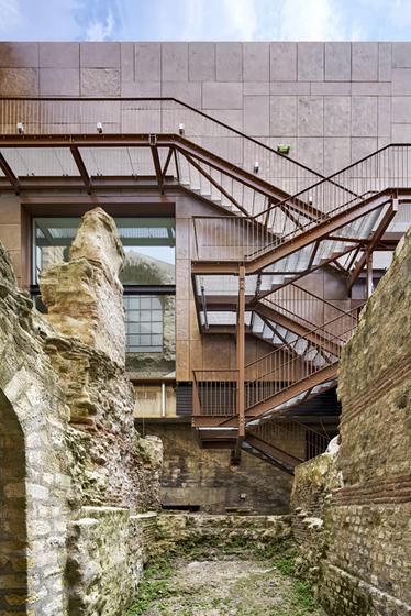 escalier façade nord