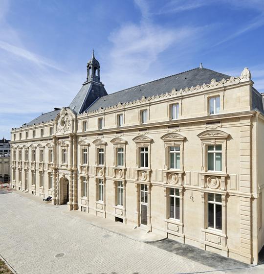 perspective façade