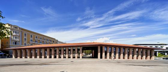 grande facade frontale