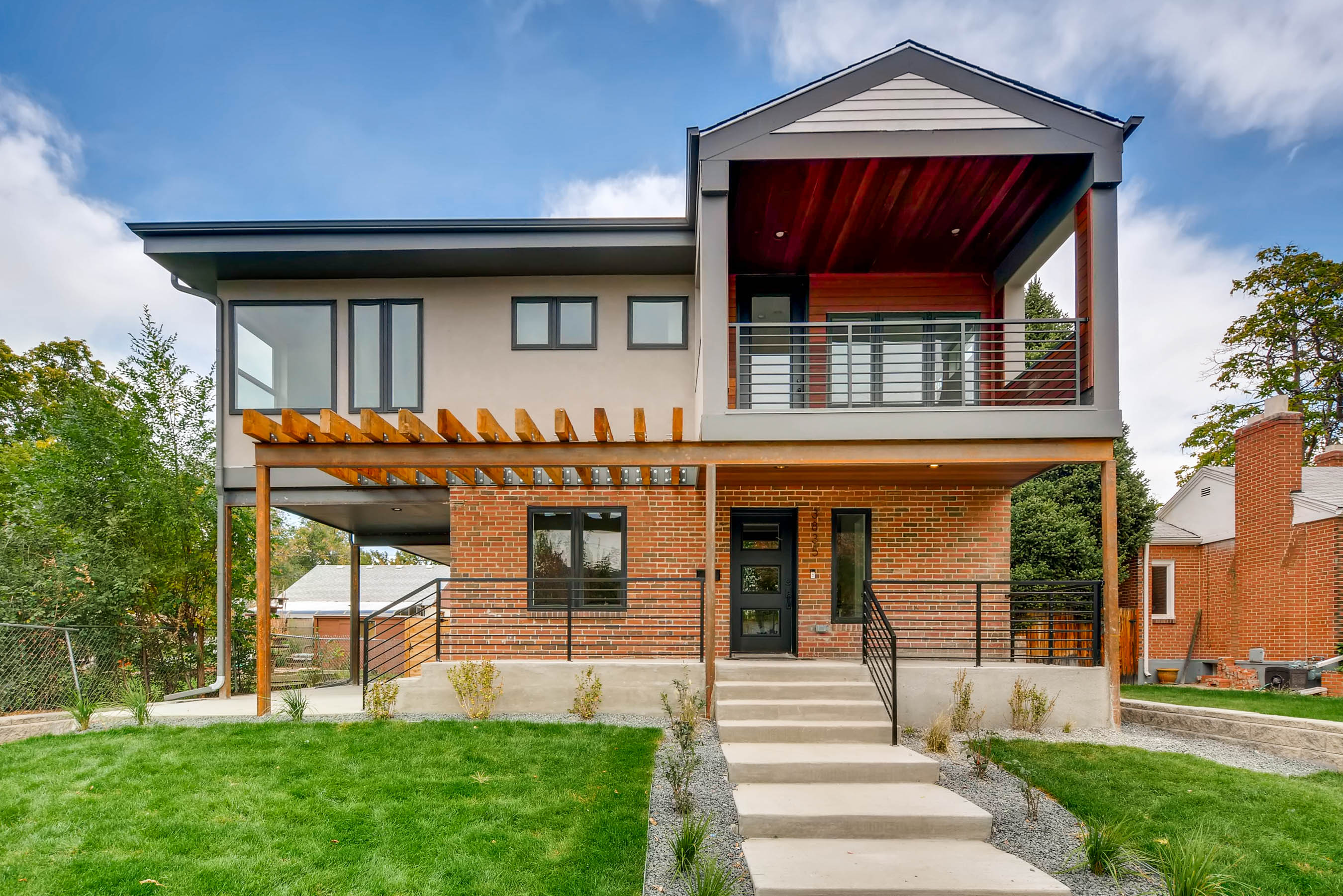 3835 W. Byron Place Exteriors