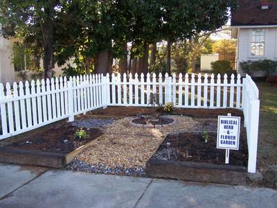 Superior Herb_garden_with_fencing_web