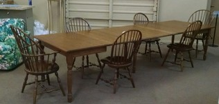 AMISH TABLE/6 CHAIRS