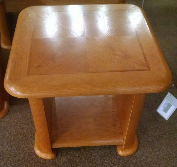 Light wood end table delmarva furniture consignment more for Light wood side table