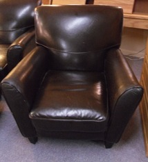 HAVERTY LEATHER CHAIR