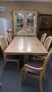 BERNHART OAK DINING ROOM SET