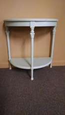 HALF MOON SM ACCENT TABLE