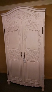 LARGE WHITE WASHED WARDROBE