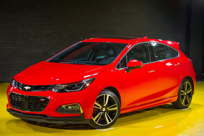 Chevrolet presenta en detroit su nuevo cruze hatchback 2017