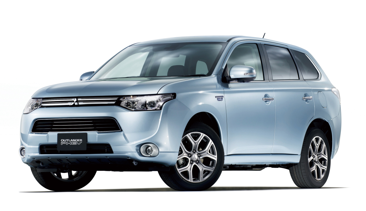 mitsubishi outlander plug in hybrid coming to the u s in 2014 digital trends. Black Bedroom Furniture Sets. Home Design Ideas