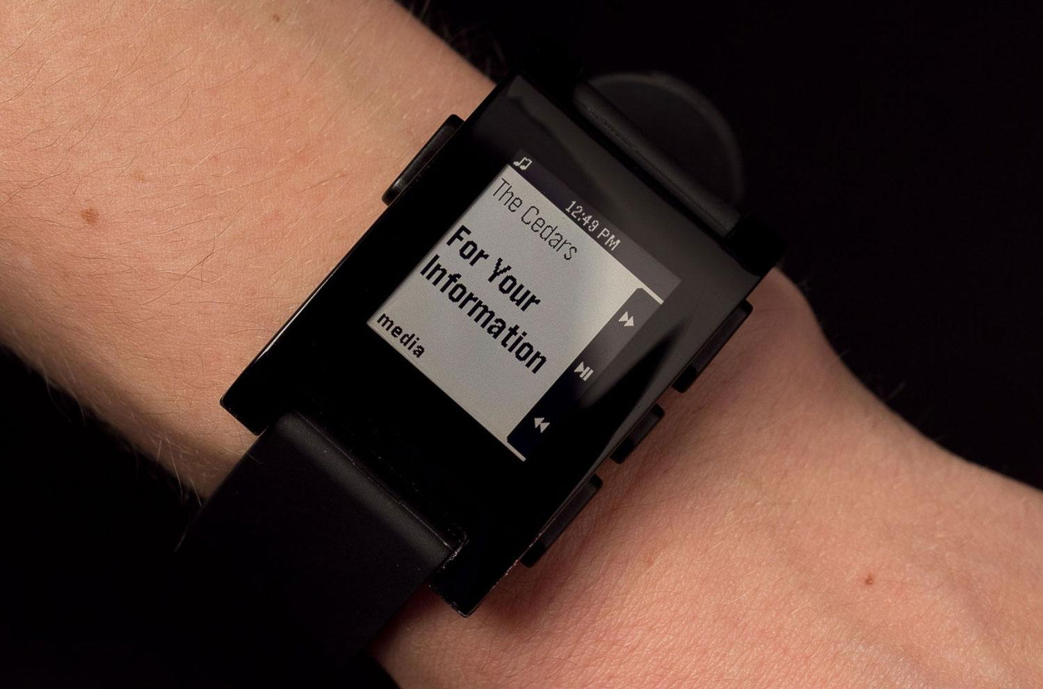 More than 1 million pebble watches sold preps new os digital trends for Pebble watches