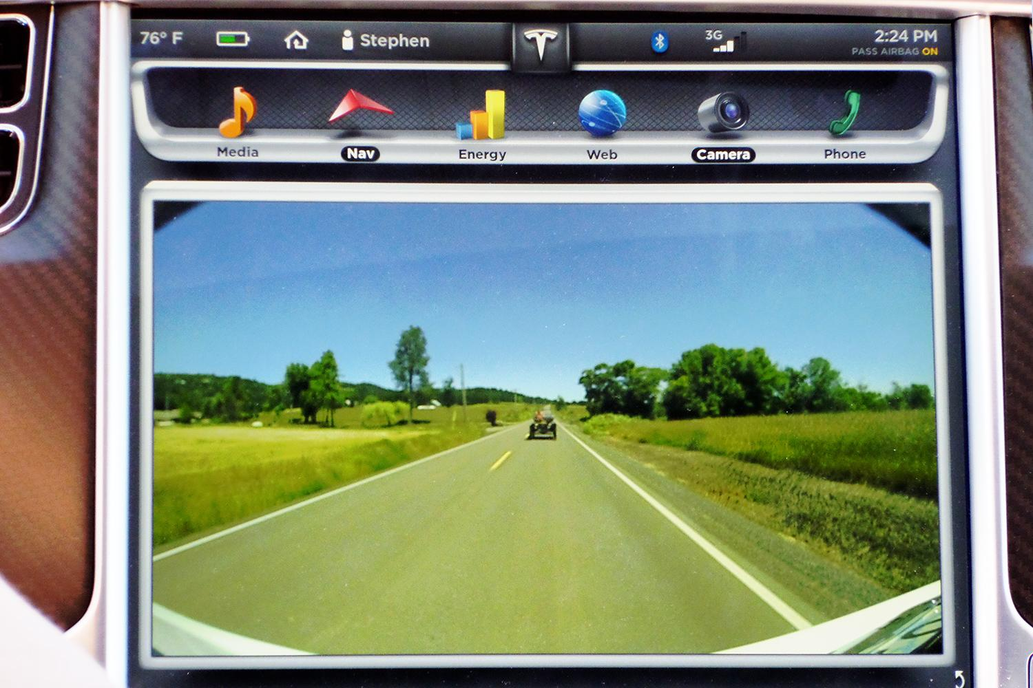 Tesla fights to replace analog rear-view mirrors with video ...